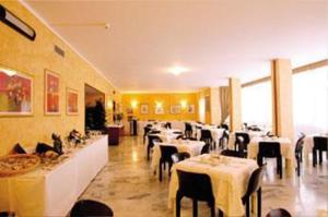 photo elitis hotel legnano