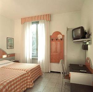 photo cast hotel mazzini