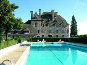 photo hotel le chateau du doux