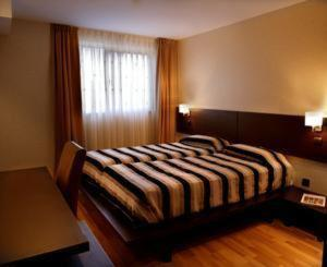 photo hotel husa wuppertal