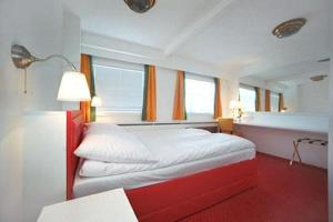 photo hotel hansa ship