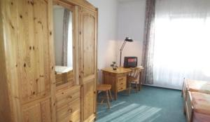 photo hotel pension messeblick