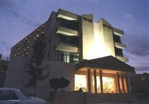 photo edom hotel petra