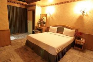 photo hotel 13 coins resort bangna bitec