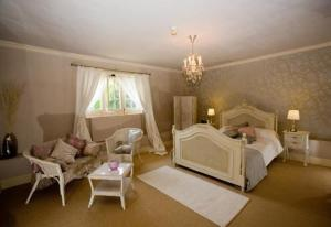 photo hotel woodborough hall