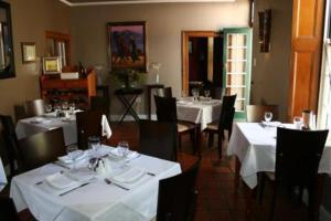photo hotel four oaks guesthouse and templeton s restaurant
