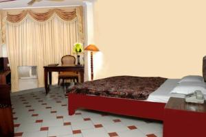 photo hotel royal palace