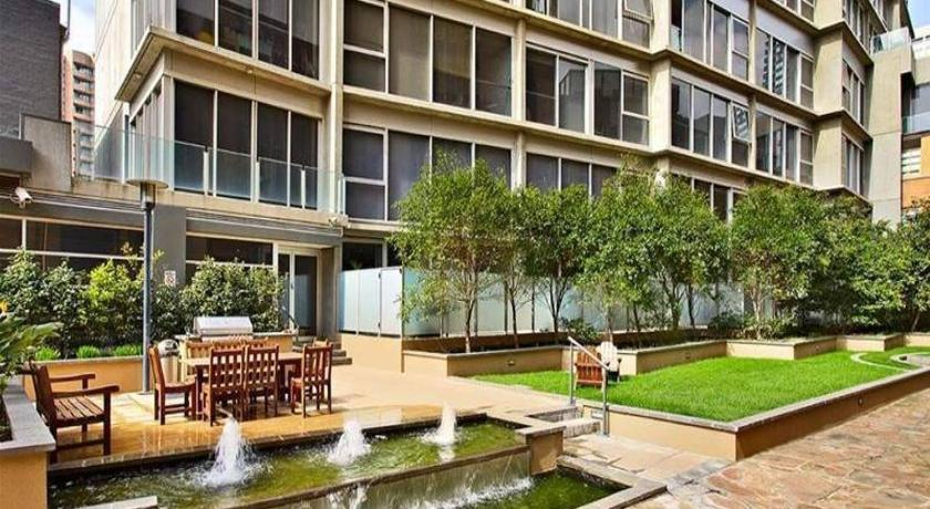 2 beds 2 baths FREE Car park. Behind State Library | 336 Russell Street, Melbourne, Victoria 3000 | +61 422 014 841