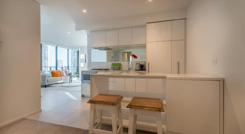 Southbank 2 Bed Apartment with View Next to Crown | 50 Haig Street, Southbank, Victoria 3006 | +61 406 200 880