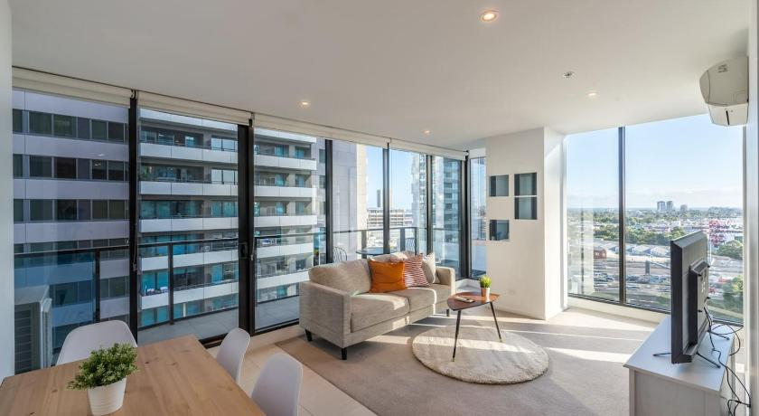 Southbank 2 Bed Apartment with View Next to Crown   50 Haig Street, Southbank, Victoria 3006   +61 406 200 880