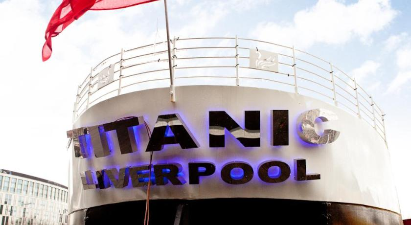 Hollywood Apartments & Barges - Titanic Hotel | Liverpool Marina, Liverpool L3 4BP | +44 7885 295413