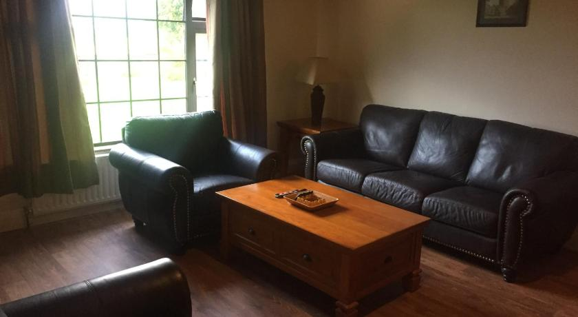 Meadow Cottage   Ballyfinogue, Rathanny Meadow Cottage, Tralee   +353 87 675 3564