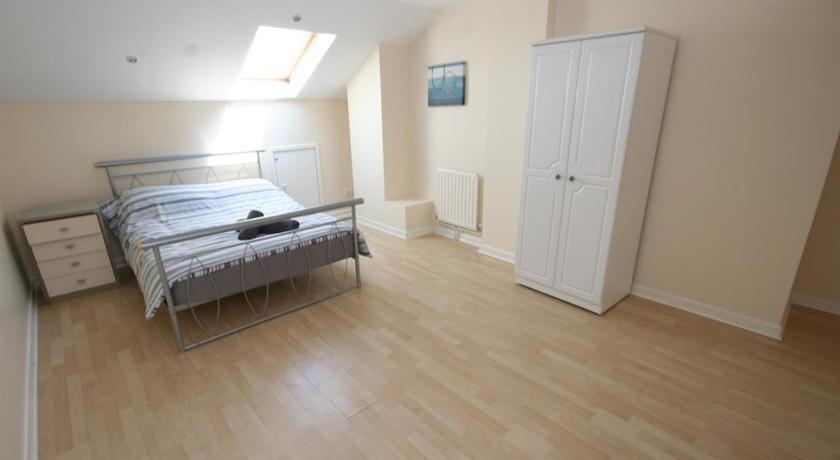 MARLEY MANSIONs APARTMENTS - KING St. REF : 10/3 | King Street 10, Wallasey CH44 8AU | +44 7930 301486