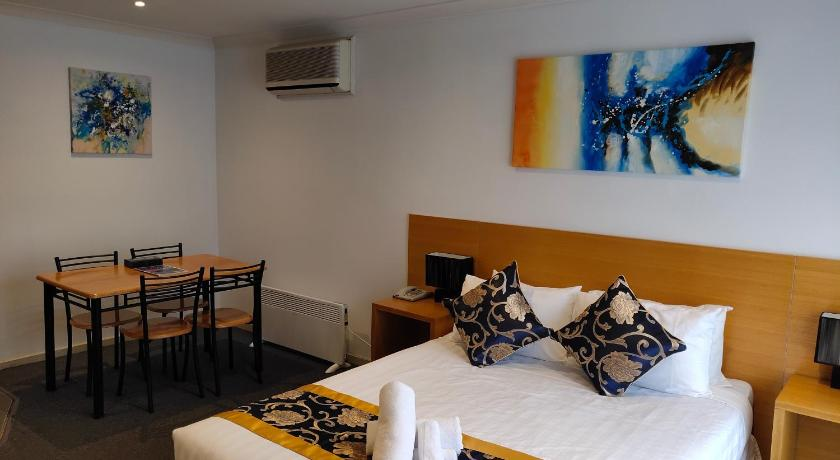 Coachman Motel And Holiday Units Phillip Island   51 Chapel Street, Cowes, Victoria 3922   +61 3 5952 1098