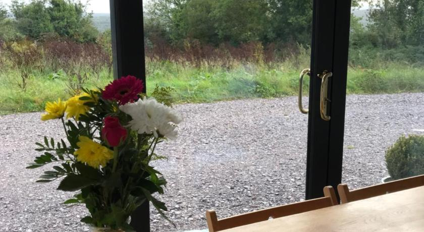 Mai's Country Cottage retreat | Kilnamartyra Ballyvoige, Clonebud | +353 86 164 6402