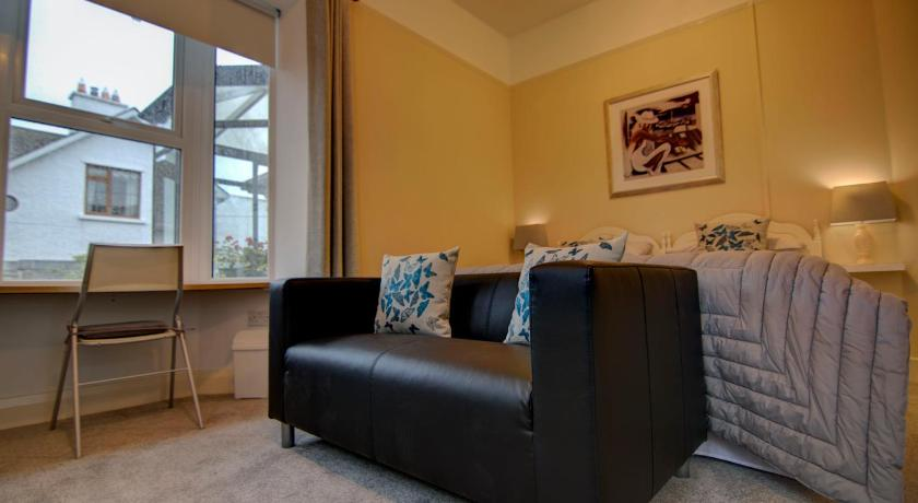Salthill Lodge | 112 Salthill Road Lower, Galway | +353 86 265 3064