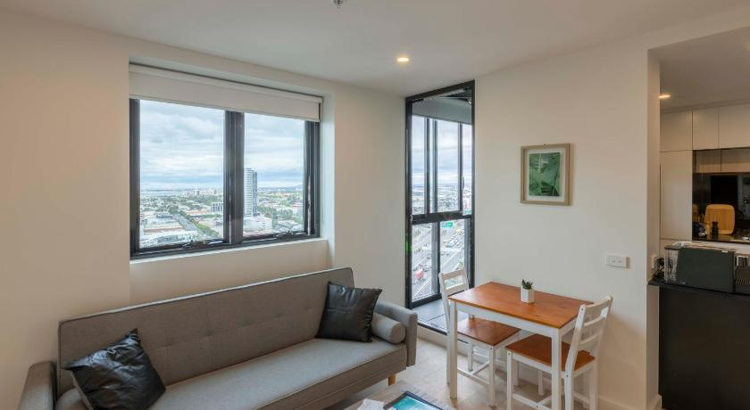 Great Southbank apartment with stunning view | 61 Haig Street 2103, Southbank, Victoria 3006 | +61 430 907 988
