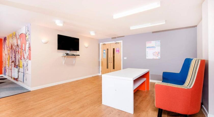 Super Central Studio Apartment perfect for Business Travel! | Commonhall Street, Chester CH1 2AA | +44 20 3875 2916