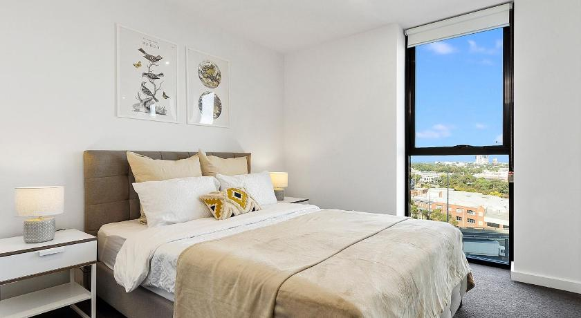 1BR Southbank Apt Perfect for City Getaway | 61 Haig Street, Melbourne, Victoria 3006 | +61 430 907 988