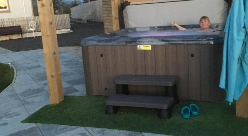 Roe Valley Cottage - LA Spa Hot Tub | 273 Ballyquin Road, Limavady BT49 9HB | +44 7762 719494