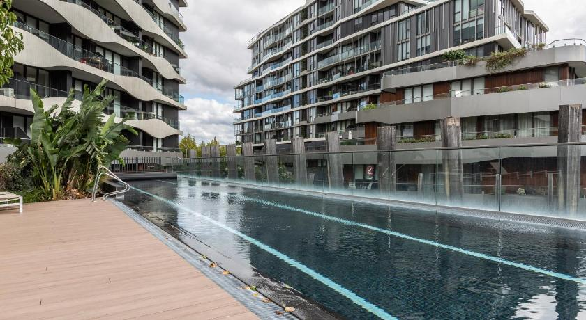 Luxurious Riverside Resort Style Apartment☆Pool☆SPA☆GYM☆Rooftop with City Views | 4 Acacia Place Apartment #401, Melbourne, Victoria 3067 | +61 404 445 555
