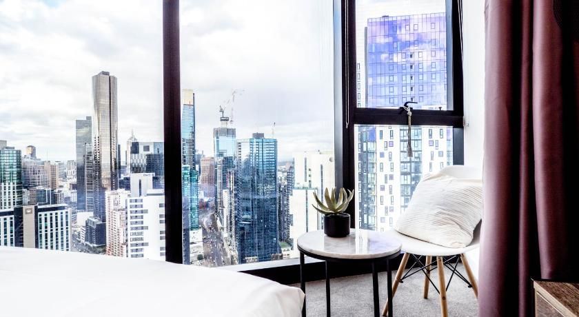 SP4009 · Southbank heart location*Deluxe 40F Apt*Pool/Gym Change listing | 105 Clarendon Street, Melbourne, Victoria 3006 | +61 406 928 689