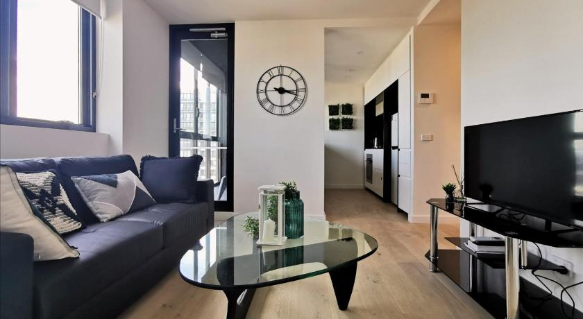 Lovely Southbank apartment close to everything | 61 Haig Street 1603, Melbourne, Victoria 3006 | +61 430 907 988