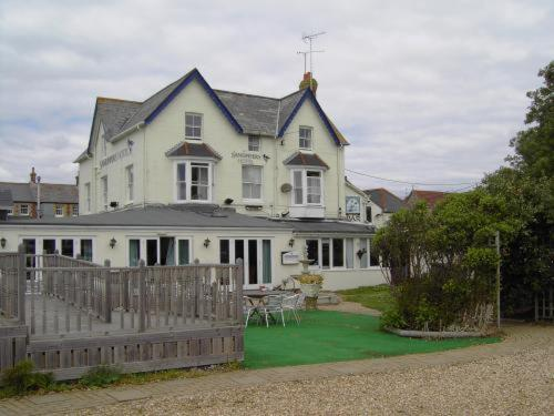 Sandpipers Hotel
