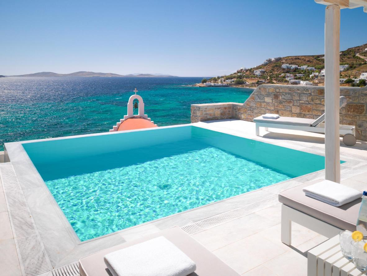 6 Spectacular Rooms With A Private Pool