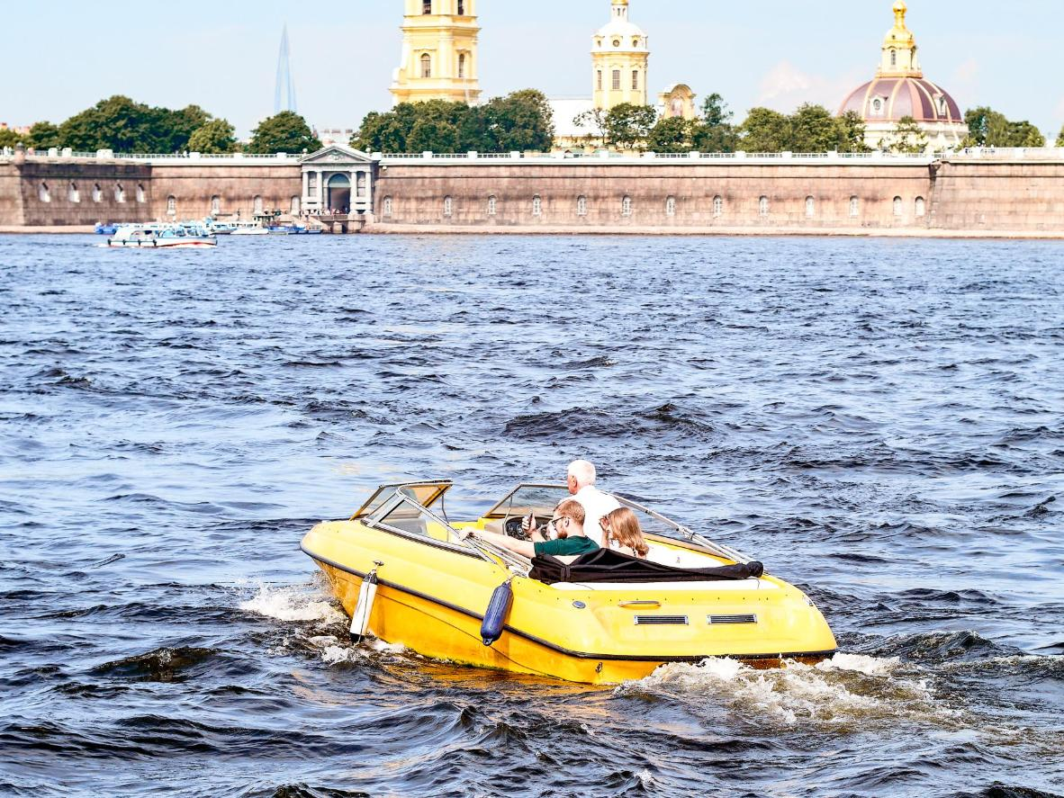 Cruise through the network of canals and rivers in Saint Petersburg