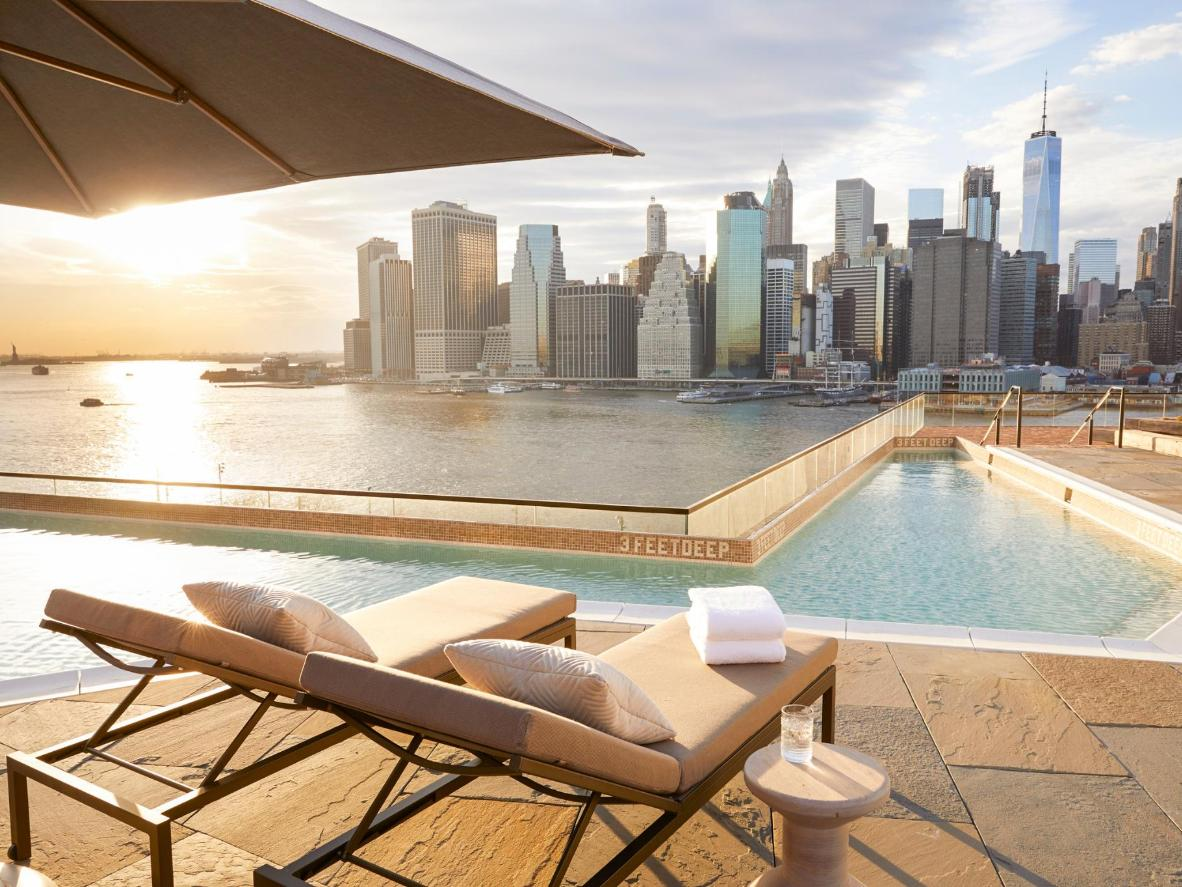 5 of New York City's Coolest Rooftop Pools | Booking com
