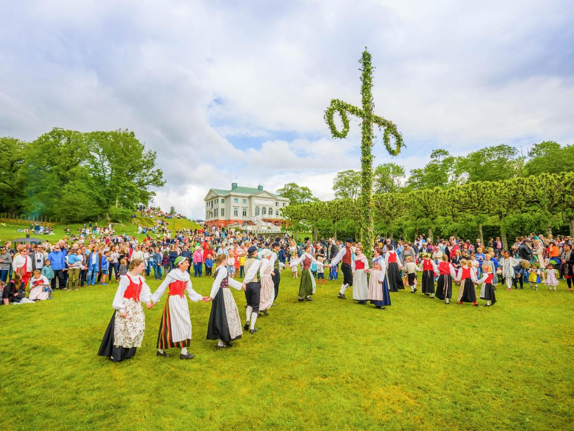 Dancing around the maypole is an essential part of Swedish Midsummer