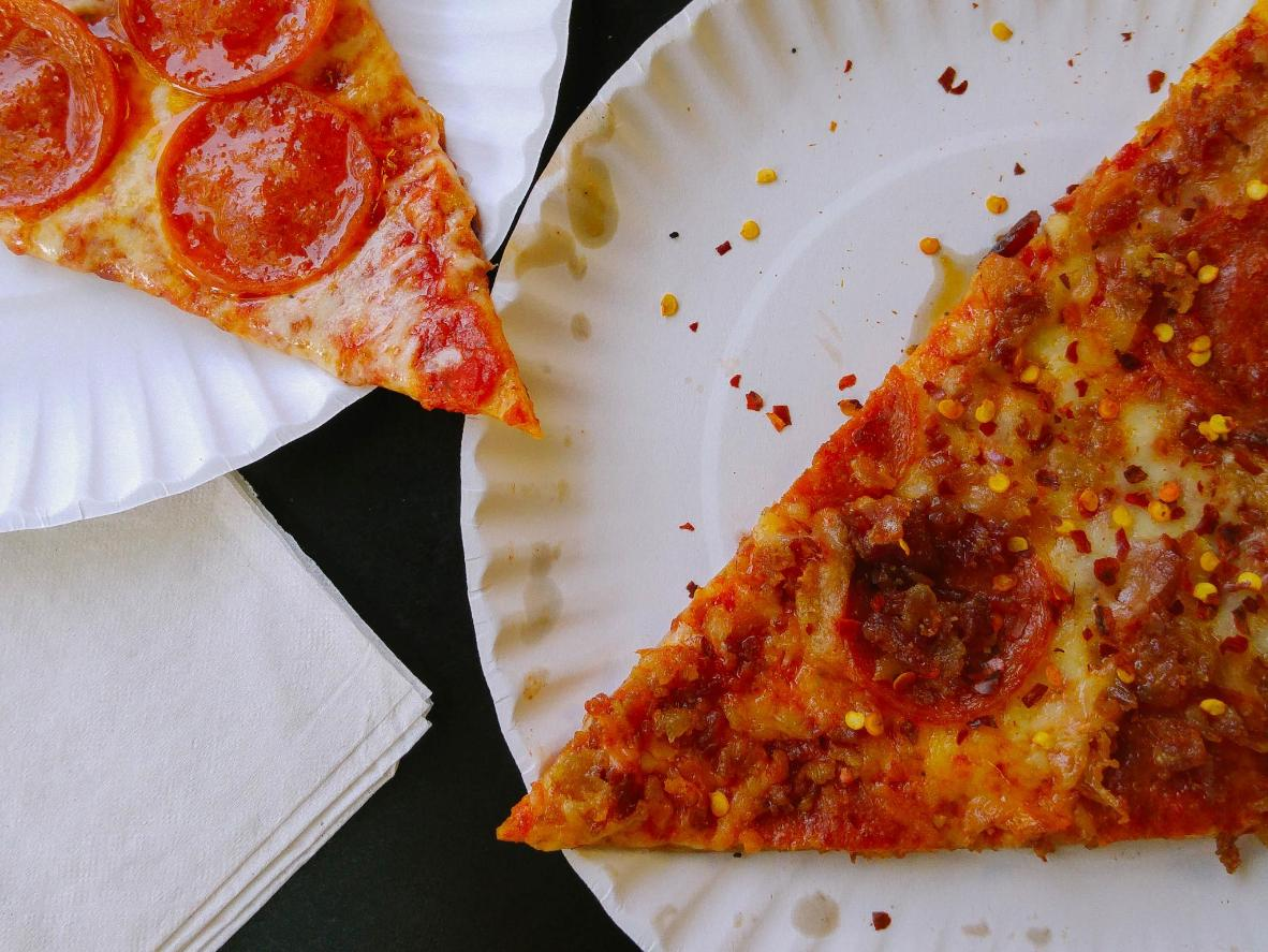 Find the perfect cheese-to-sauce ratio at Scarr's Pizza