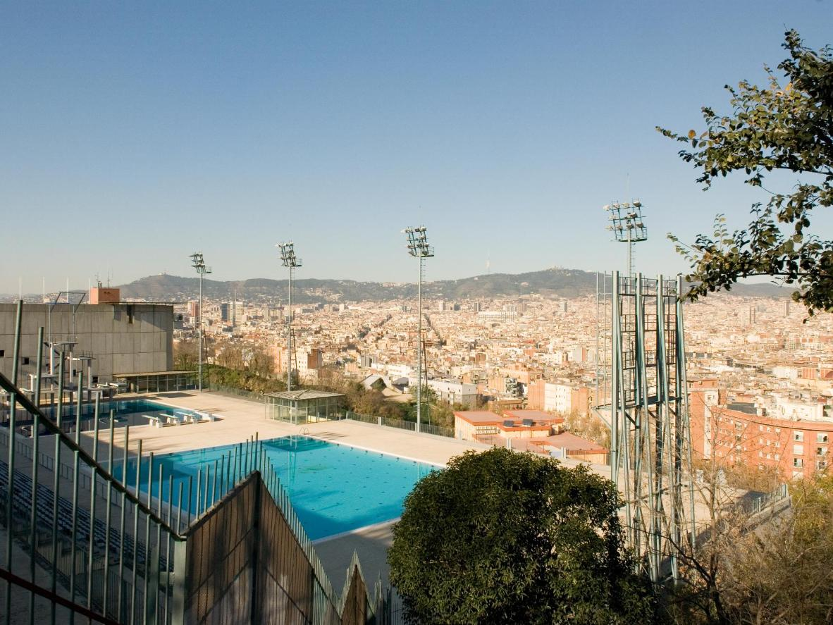 Enjoy panoramic views of the city from Barcelona's Piscina Municipal de Montjuïc
