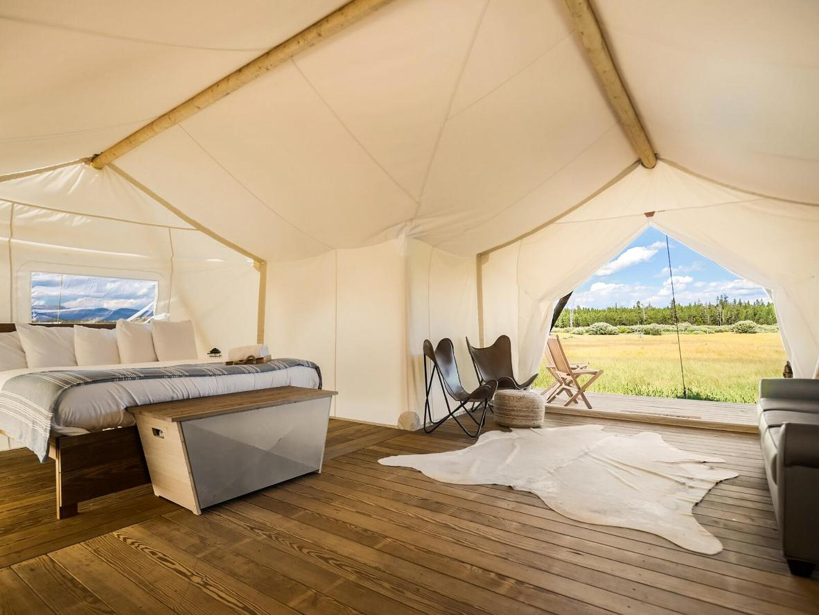 Go glamping with your partner near Yellowstone