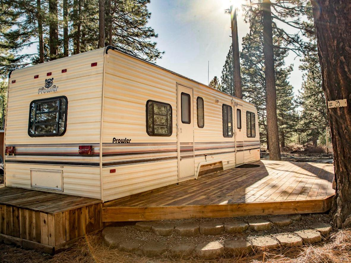 One of the RVs available to rent at Dream Catcher Campground & Lodge