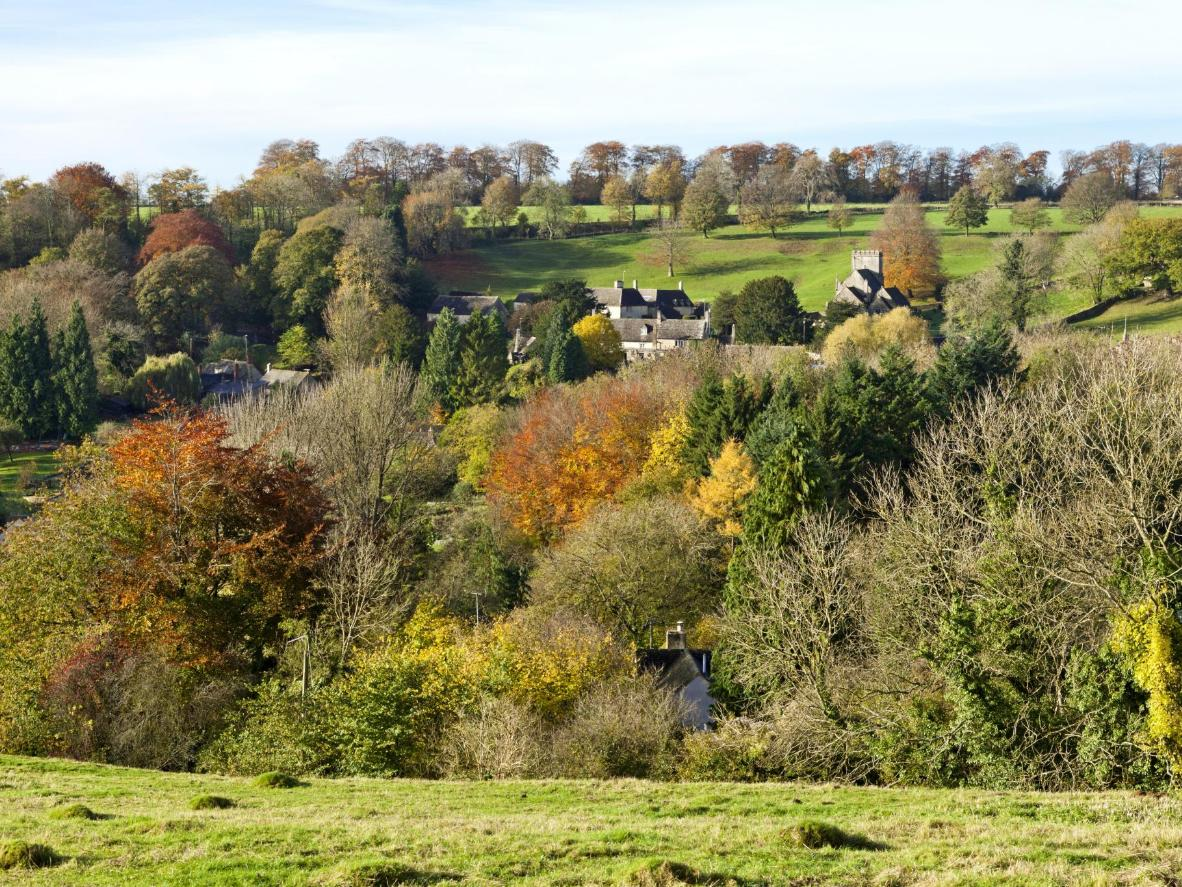 Enjoy refreshing and scenic between-work walks around The Old Post Office in the Cotswolds
